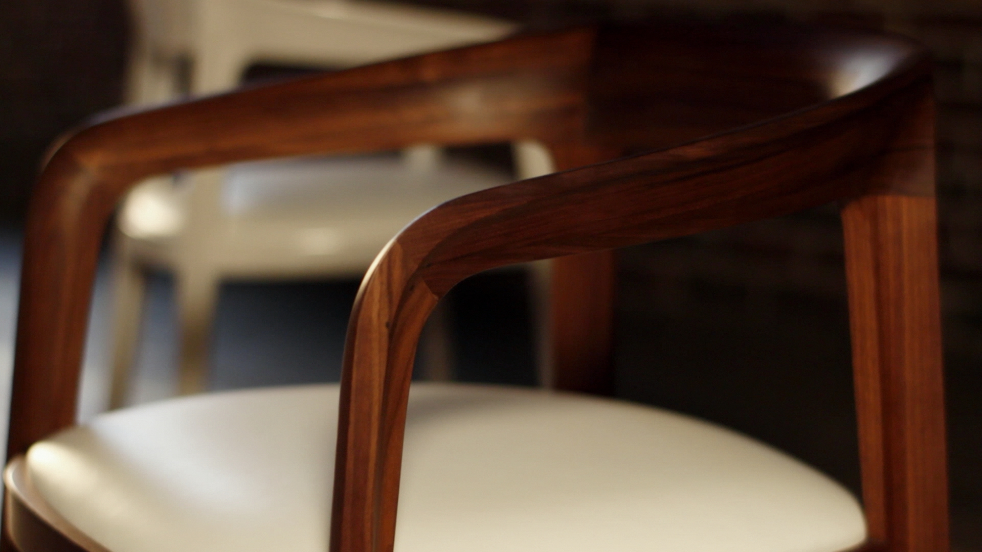Bernhardt Design –<br>Chair Story